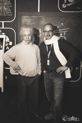Albert Einstein & Stawi